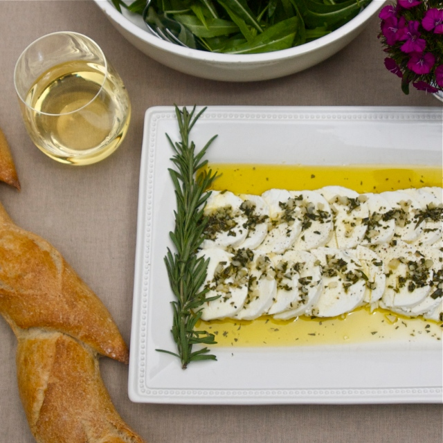 garlic rosemary goat cheese appetizer olive oil