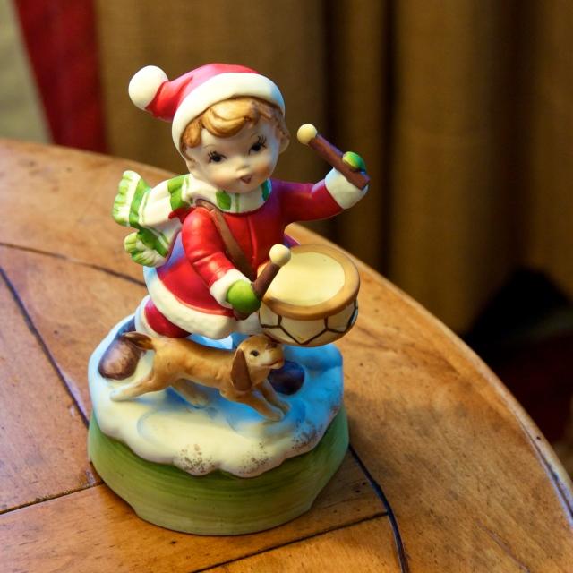 christmas hummel figurine