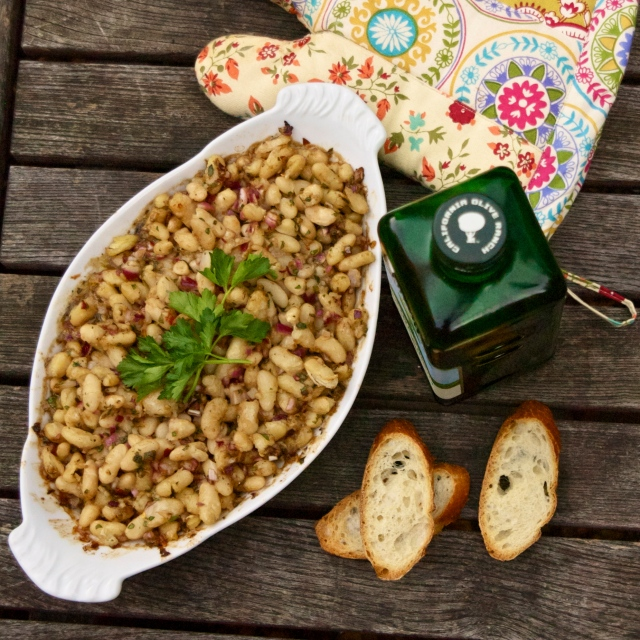 garlicky herbed cannelini beans